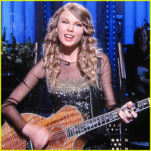 Taylor Swift S Hilarious Snl Monologue Norville Rogers